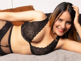 Webcam model AbbyJones from XLoveCam