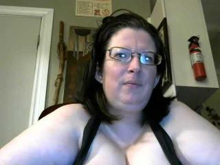 Webcam model AllyKat from XLoveCam