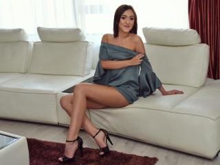 AmiraLena webcam