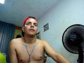 CuteXGuy webcam