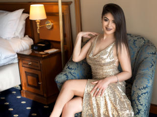Webcam model InaHotty from XLoveCam
