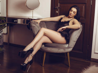 Webcam model NadiaCaprice from XLoveCam