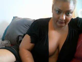 Webcam model SamanthaTrevor from XLoveCam