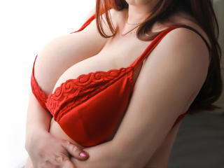 SugarBoobsX pictures live