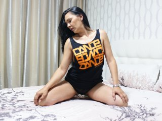 Webcam model DeniseLove from XLoveCam