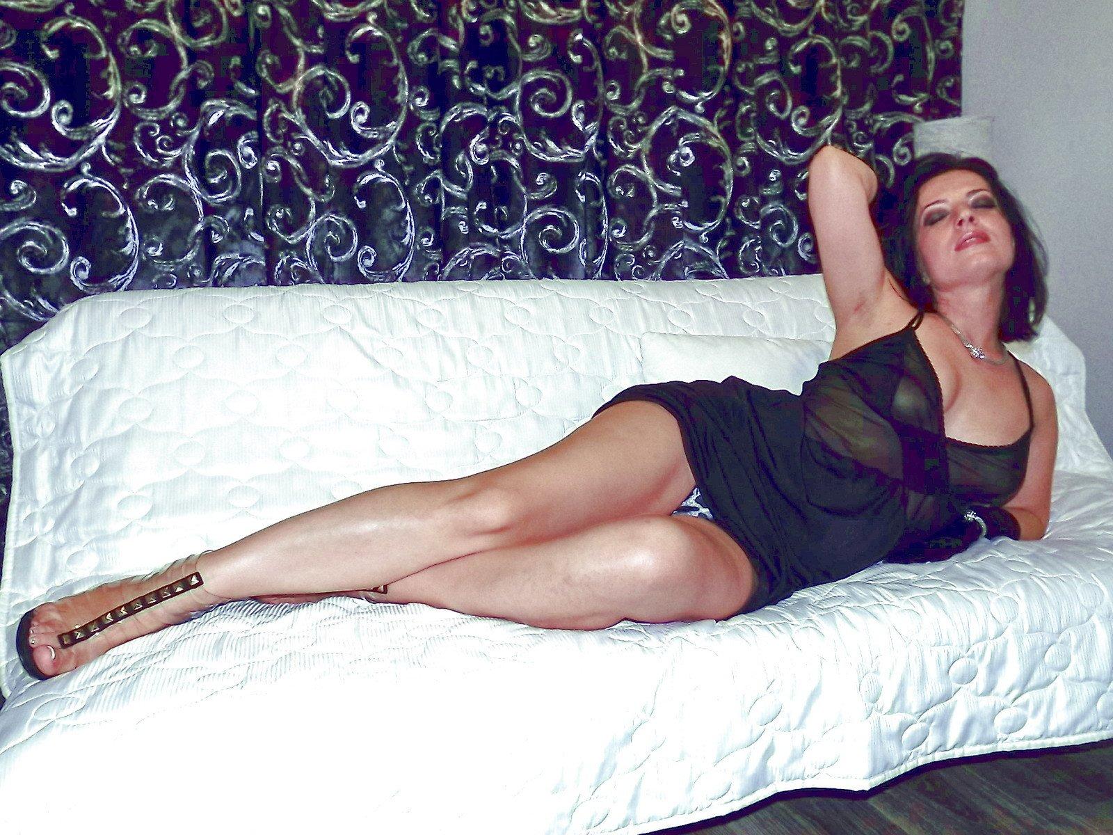 секс грузинки фото она играет