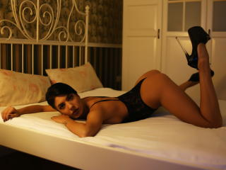 SierraStar - Sexy live show with sex cam on XloveCam®