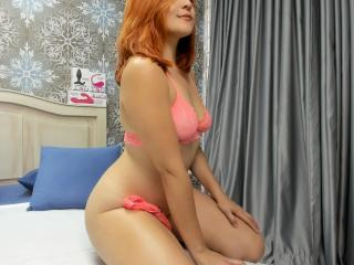 Webcam model CandyBest from XLoveCam